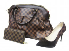 Women's LOUIS VUITTON 2 Piece Bag With High Heel Shoe